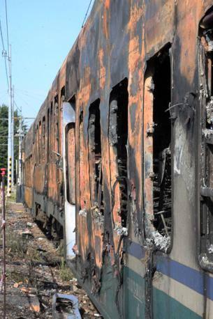 Treno incendiato