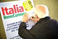 Uno dei seggi delle primarie a Bergamo