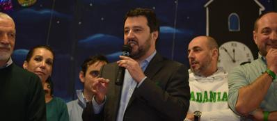 Matteo Salvini sul palco della Lega a Chiuduno