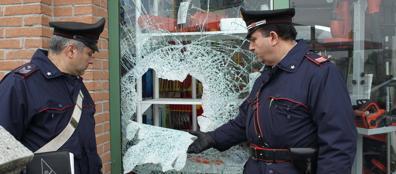 I carabinieri la mattina dopo l'uccisione del ladro
