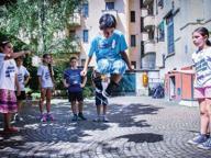 «#Scendigiù2.0», la festa è in cortile A Loreto giochi, merenda e gomitoli