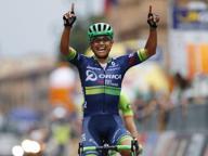 Giro di Lombardia al traguardo Vince Chaves «Colibrì» sul Sentierone