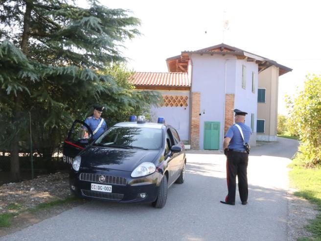 Bergamo, fermato un richiedente asilo per violenza sessuale su  operatriceAltri  due profughi la salvano